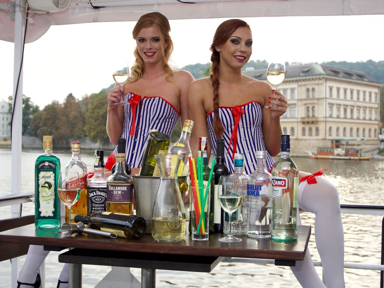 River cruise unlimited drinks